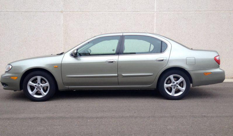 Nissan Primera Gris lleno